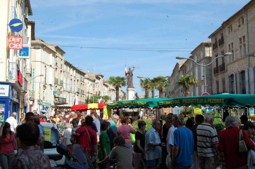 Saturday street market in Pezenas
