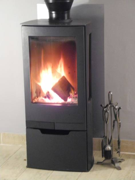 New wood burning stove for winter lets